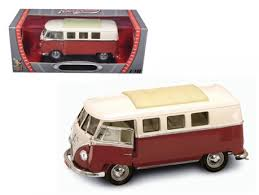 Road Signature Collection 1962 Volkswagen Microbus 1:18